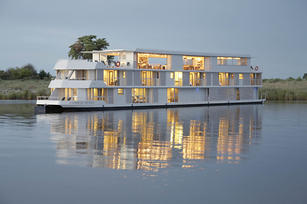 Zambezi Queen | Luxury Houseboat